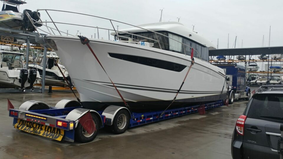 yacht delivery, yacht transport, boat transport company, boat transport cost